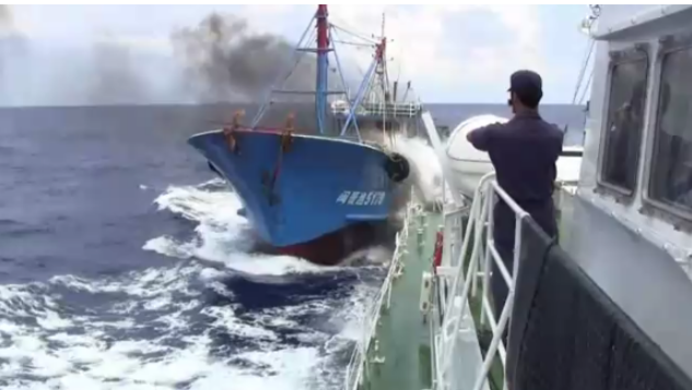 尖閣諸島 中国 漁船 衝突 映像 ...